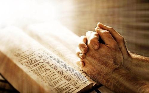 christians-in-prayers.jpg